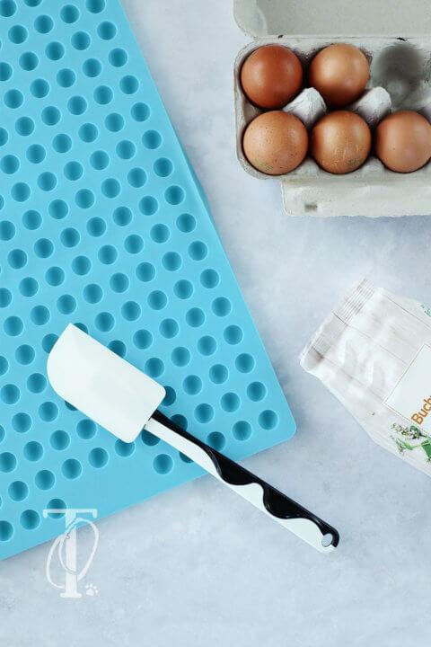 DIY: Hundeleckerli aus der Backmatte – der beste Küchen-Hack für Hundehalter