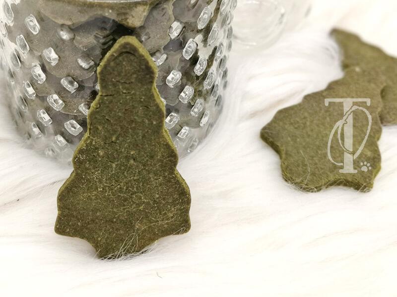 Weihnachtliche Hundekekse backen