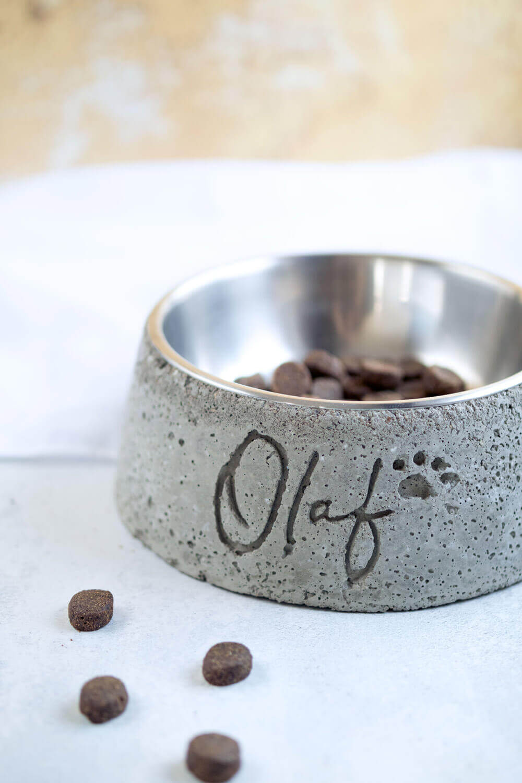 Hundenapf mit Name aus Beton gießen